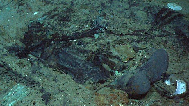 1张2004年的照片显示,在豪华邮轮泰坦尼克号百年前沉没的北大西洋海底