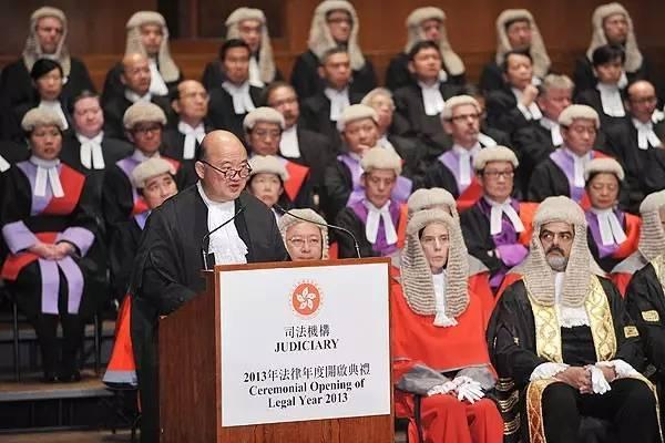 为什么香港法官都是外籍?或者双重国籍的?